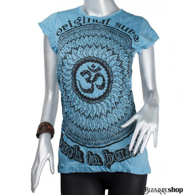 Женская футболка OM голубая