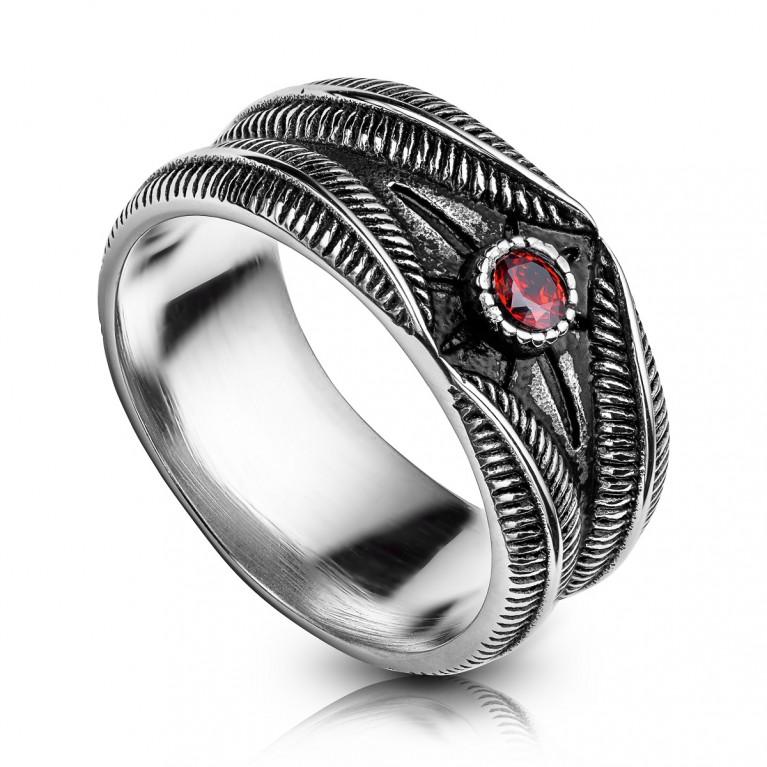 Кольцо стальное с красным кристаллом