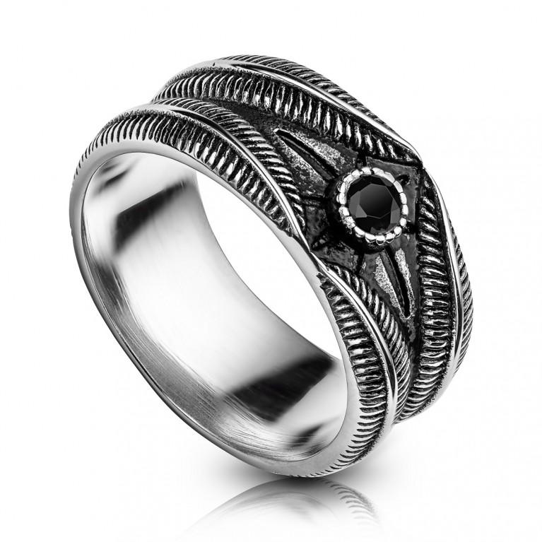 Кольцо стальное с черным кристаллом